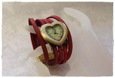 """Montre """"Coeur fidèle"""" sur bracelet cuir de Khoutûre Factory - Robes, tuniques, sarouels sur DaWanda.com"""