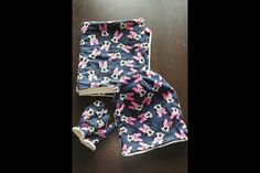 Šála, čiapka a zo zvyškov látky rukavičky pre malú slečnu. Two Piece Skirt Set, Skirts, Handmade, Dresses, Fashion, Hand Made, Gowns, Moda, La Mode