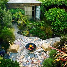 Random use of size, shape and colors creates an artistic patio made of pavers.
