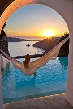 What a beautifully captured photo in Greece, Santorini. What a beautifully captured photo in Greece, Santorini. Vacation Destinations, Dream Vacations, Vacation Places, Honeymoon Places, Holiday Destinations, Honeymoon Ideas, Vacation Humor, Vacation Ideas, Dream Vacation Spots