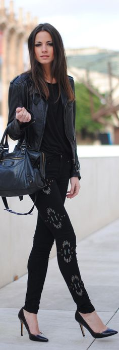 Love this look! Casual, but edgy at the same time! Follow us on Wear2Where.com for more travel and fashion.