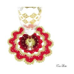 Christmas Red and Gold Crochet Doily, Small Doily, Coasters, Table... (€4,71) ❤ liked on Polyvore featuring christmas and crochet