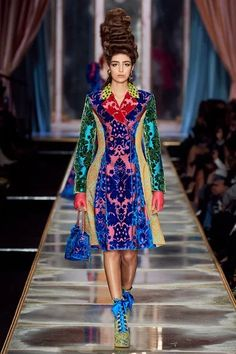 Moschino Fall 2020 Ready-to-Wear Collection - Vogue