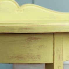 El bazar VINTAGE + CHIC: lámparas, muebles y objetos decorativos 100% vintage!: Consola castaño antigua decapada lima · Ref. 8213 · Old chestnut lime console
