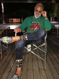 Gianluca Vacchi Rocks Gucci Sweater At His Mansion In Bologna Handsome Older Men, African Clothing For Men, Mens Trends, Sharp Dressed Man, Gq, Dapper, Men Dress, Mens Fashion, Style Fashion