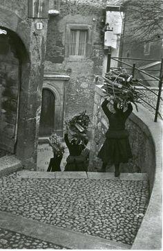 Scanno, Abruzzo, Italy, by Henri Cartier-Bresson (1951)