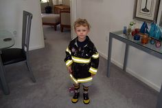 Teaching kids how to appropriately respond to a fire can be very difficult, particularly when teaching children with special needs. Read these tips. Community Helpers Preschool, Preschool Lessons, Preschool Ideas, Relationship Building Skills, Fire Safety For Kids, Safety Tips, Safety Week, Fire Prevention Week, Daycare Themes