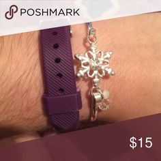 Snowflake Bracelet Sterling silver bracelet that has a clasp to make it adjustable Jewelry