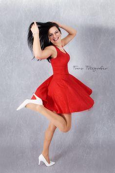 Red dress :)     #kittiaranel #franzfotografer @franzfotografer #kemptenallgau #bayern #reddress #dancing #dress #pineup #longdarkhair #model #photomodel #photography #whiteshoes #szitakötőékszer #modellife #bestphotoshoot #happy #kemptenmodel #fashionmodel #fashion #studiophotography #kittiaranel.de