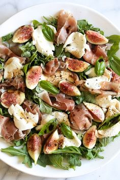 Figs and Prosciutto, savory and sweet they're a match made in heaven! Add some fresh mozzarella, peppery arugula and balsamic dressing and this salad will make you swoon with every bite. day dinner meals Prosciutto, Mozzarella and Fig Salad with Arugula Healthy Salads, Healthy Eating, Healthy Recipes, Savory Salads, Savory Snacks, Fig Salad, Good Food, Yummy Food, Antipasto