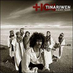 Tinariwen. Composta por 5 homens e uma mulher de Mali.