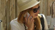 Prvi set mjera s ciljem smanjenja cijena u mobilnoj telefoniji, poticanje konkurencije i zaštitu prava krajnjih korisnika stupio je na snagu danas, potvrđeno je Feni iz Regulatorne agencija za komunikacije (RAK). Naime, Agencija je donijela Odluku o usklađivanju cijena usluga mobilne telefonije i uvjeta za pružanje telekomunikacijskih usluga, kojom je, između ostalog, naloženo da operatori BH Telecom d.d. Sarajevo, M:tel a.d. Banja Luka i HT d.d. Mostar najkasnije do 1. lipnja izjednače…