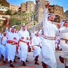 عرضة عسيرية في قرية رجال ألمع