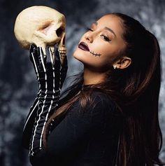 #Halloween #Makeup - #ArianaGrande http://www.theauburngirl.com/halloween-makeup/