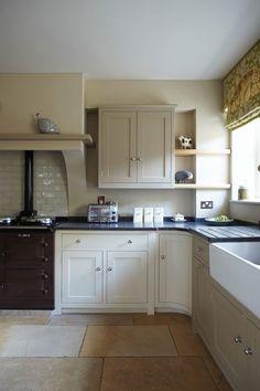 Stone Kitchen, New Kitchen, Kitchen Paint, Country Kitchen, Kitchen Units, Kitchen Cabinets, Kitchen Shelves, Black Appliances White Cabinets, Dark Cabinets