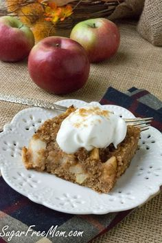 Low Carb Grain Free Apple Dump Cake is a simple recipe that is grain free, gluten free and made with no added sugar!We've had a rough week in my house.Not a bad week in that sense, but a pretty. Sugar Free Desserts, Sugar Free Recipes, Healthy Desserts, Low Carb Recipes, Dessert Recipes, Keto Apple Recipes, Homemade Desserts, Healthy Recipes, Easy Desserts