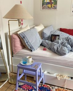 Quirky Home Decor, Fall Home Decor, Diy Bathroom Decor, Bedroom Decor, Bedroom Inspo, Bedroom Ideas, Aesthetic Rooms, New Room, Modern Bedroom