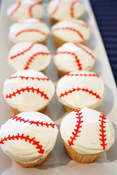 Baseball Cupcakes: You'll hit a home run with these easy-to-make cupcakes. Click through to find some more easy Father's Day cupcake and cake decorating ideas. Baseball Cupcake Cakes, Baseball Birthday Cakes, Sports Birthday, Birthday Party Games, 1st Boy Birthday, Baseball Party, Baseball Theme Food, Boy Birthday Cupcakes, Baseball Plays