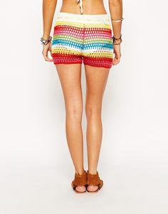 Imagem 2 de Glamorous Petite Stripe Crochet Shorts