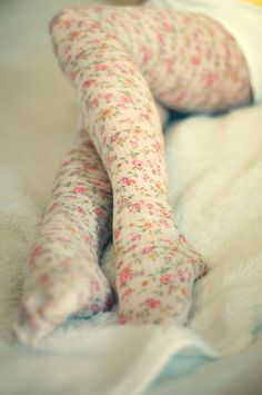Mystery floral tights - Flawless execution of floral pattern AND white tights... but where did they come from?!