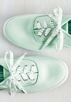 Being late isn't an option when you're this pumped to kick and push in these pastel mint Keds. Rush into the white stitching of this classic canvas pair, then flee out the front door and slap your buddy five before taking on the town with four wheels and two trusty shoes!