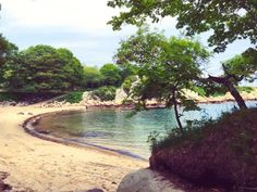12 Little Known Beaches in Massachusetts That'll Make Your Summer Even Better (Halfmoon Beach, Gloucester) Camping Places, Camping Spots, Beach Camping, Luxury Camping, Washington Camping, Rockport Massachusetts, Camping In England, England Beaches, East Coast Road Trip