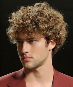 Garcons Cheveux Boucles