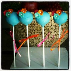 Flower Cake Pops via Etsy.