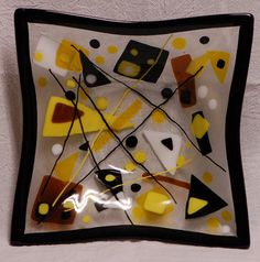 Fused Glass Square Bowl in Yellows Fused Glass Ornaments, Slumped Glass, Fused Glass Plates, Glass Tray, Fused Glass Art, Glass Dishes, Glass Ceramic, Glass Fusing Projects, Glass Fusion Ideas