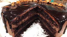 Torta húmeda de maní con chocolate
