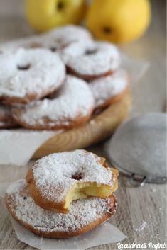 Frittelle di mele - La cucina di Reginé ☼ Doughnut, Nom Nom, Cookies, Desserts, Food, Crack Crackers, Tailgate Desserts, Deserts, Eten