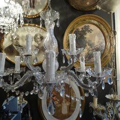 Kroonluchter van kunststof met glas