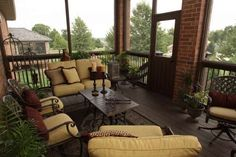 Screened back porch!