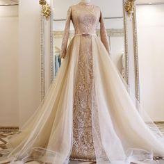 Super ideas for bridal hijab ideas muslim brides Muslim Wedding Gown, Kebaya Wedding, Muslimah Wedding Dress, Wedding Dressses, Muslim Wedding Dresses, Dream Wedding Dresses, Bridal Dresses, Wedding Gowns, Muslim Brides