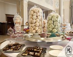 Stylizowany bufet słodki. #RezydencjaHotel #beza #wesele #wedding #bufet #bufetweselny #culinary #food #restaurant #restauracja #luxury #besthotel #hotel #Poland #luxurious #luxurylife