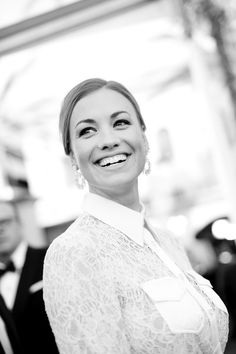Yvonne Strahovski Photos - Image has been shot in black and white. Color version not available.) Actor Yvonne Strahovski attends the 24th Annual Screen Actors Guild Awards at The Shrine Auditorium on January 21, 2018 in Los Angeles, California. 27522_008 - 24th Annual Screen Actors Guild Awards - Red Carpet