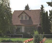 1913 Exterior view of the McDonald Farm House, 520 Rutland Road,  Photo 2005; City of Kelowna