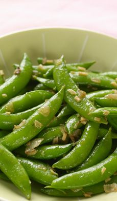 Sugar Snap Peas With Fried Ginger - Sugar snap peas are just fun to eat! They give a good crunch, you don't have to de-string them, and you can eat both the tender pod and the sweet little peas zipped inside. Pea Recipes, Side Dish Recipes, Vegetable Recipes, Vegetarian Recipes, Cooking Recipes, Healthy Recipes, Dishes Recipes, Healthy Snacks, Vegetarian
