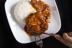 Make Juicy Tender Instant Pot Pork Chops Recipe with umami-packed HK-style Tomato Sauce. Deliciously Easy Pork Chops Dinner your family will love! Pressure Cooker Pork Chops, Instant Pot Pressure Cooker, Pressure Cooker Recipes, Pressure Cooking, Slow Cooker, Fast Cooker, Rice Cooker, Marinated Pork Chops, Pork Loin