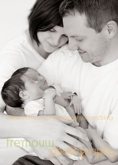Great ideas for twin photography shared by www.twinsgiftcompany.co.uk