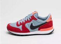 Nike Wmns Internationalist (University Red / Black - Blue Grey)