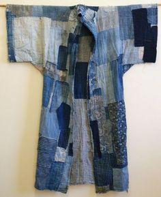 boro yogi // another piecework denim garment for inspiration Boro, Gilet Kimono, Yukata Kimono, Umgestaltete Shirts, Denim Shirts, Denim Ideas, Denim Crafts, Altered Couture, Refashioning
