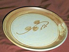 Hand Painted Pottery, Pottery Painting, Pottery Shop, Hanging Plates, Franklin Mint, Pottery Plates, China Plates, Centre, Decorative Plates