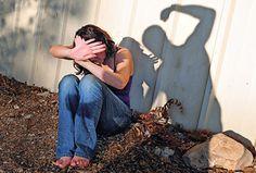В Лабытнанги произошло убийство. 29 марта около 20 часов вечера в квартире 53-летнего мужчины обнаружено тело 27-летней девушки. http://vesti-yamal.ru/ru/vjesti_jamal/v_labyitnangi_nakanune_proizoshlo_jestokoe_ubiystvo161197   При выяснении обстоятельств ее гибели стало известно, что накануне происшествия между женщиной и ее сожителем произошла ссора. Мужчина причинил погибшей множественные телесные повреждения в области жизненно-важных органов. Девушка скончалась на месте. Ведётся…