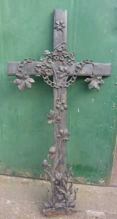 French Large Iron Cross with Flowers - My Store