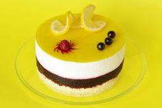 Dort s citronovou pěnou Cheesecake, Birthday Cake, Fruit, Sweet, Recipes, Food, Cupcakes, Lemon Mousse, Pastries