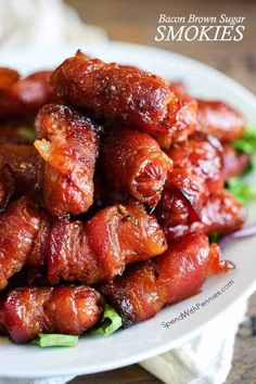 Brown Sugar Bacon Wrapped Smokies - Spend With Pennies Finger Food Appetizers, Great Appetizers, Holiday Appetizers, Appetizer Recipes, Appetizer Ideas, Party Recipes, Easy Thanksgiving Appetizers, Bacon Wrapped Appetizers, Breakfast Appetizers