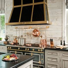 This French inspired kitchen, brass, copper. #inspiration #interiordesign #brass #copper#decorme #bettylouphillips #decor