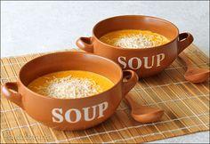 Sopa de cenoura com queijo ácido