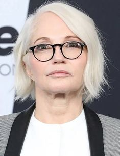 80 Short Hairstyles For Women Over 50 To Look Elegant Bob Hairstyles For Thick, Hairstyles Over 50, Elegant Hairstyles, Cool Hairstyles, Medium Hairstyles, Short Thin Hair, Very Short Hair, Short Hair With Layers, Haircut Styles For Women